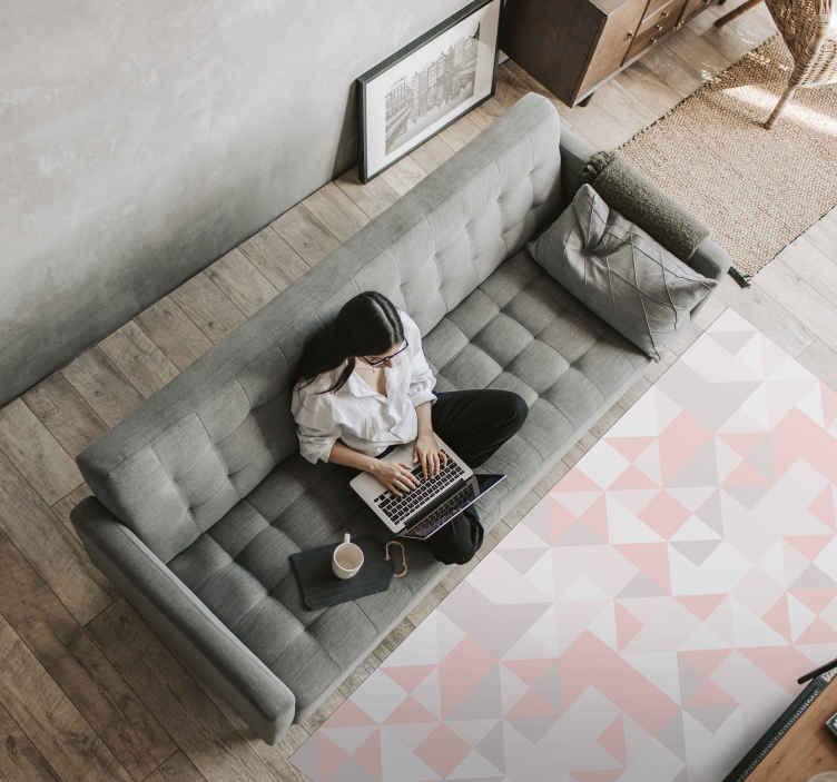 TenVinilo. Alfombra vinilo nórdica cuadrados rosas. Un original diseño de alfombra vinilo nórdica rosa que puedes usar para decorar tu sala de estar y otras estancias ¡Envío exprés!