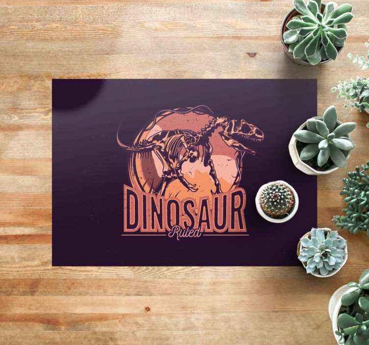 TenVinilo. Alfombra vinilo infantil T-Rex de museo. ¡Hazte ya con tu alfombra vinilo infantil con las medidas que se adaptan al espacio de la habitación!  ¡Compra online ahora!