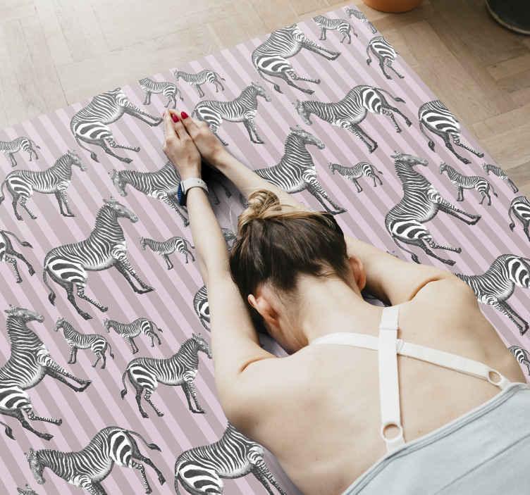 TenVinilo. Alfombra vinilo animales patrón cebra vintage. Original alfombra vinilo animales con estampado de cebra con rayas rosas y violetas como fondo. Muchos tamaños disponibles ¡Envío exprés!