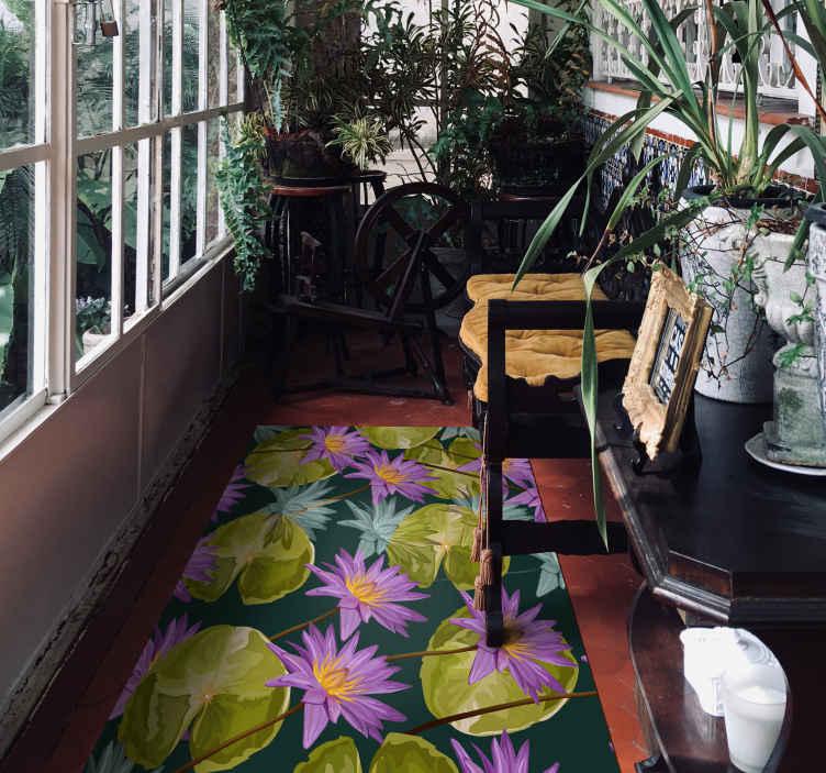 TenVinilo. Alfombra vinilo pasillo flor loto púrpura. Alfombra de vinilo para pasillo con diseño de flores de loto de colores. Producto de forma rectangular es fácil de limpiar y duradera.