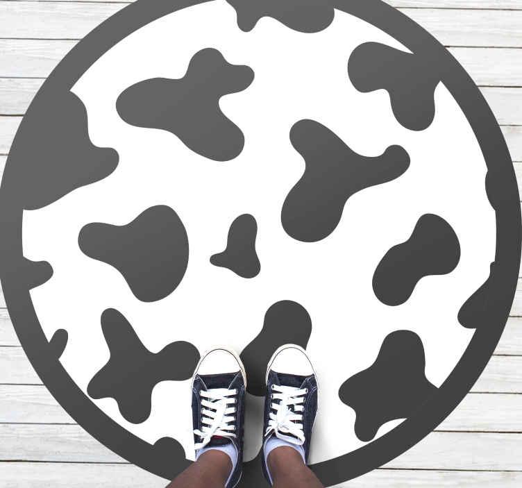 TenStickers. Tapete vinil para gabinete Estampa de vaca preto e branco. Tapete de vinil com estampa animal que apresenta uma fantástica estampa de vaca em preto e branco com uma borda preta. Material de vinil de alta qualidade.