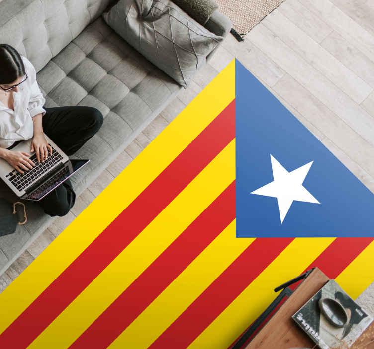 TenVinilo. Alfombra vinilo rayas estelada azul. ¡Muestra tu orgullo catalán con esta alfombra vinilo rayas que representa la estelada azul! ¡Agréguela a su carrito para comprarlo en línea!