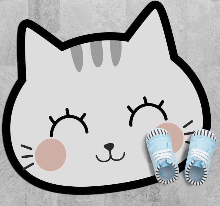 TenVinilo. Alfombra vinilo infantil gato nórdico feliz. Alfombra vinilo infantil con un bello y tierno rostro de un gato feliz en color blanco con los ojos cerrados, perfecta para la habitación de tu hijo.