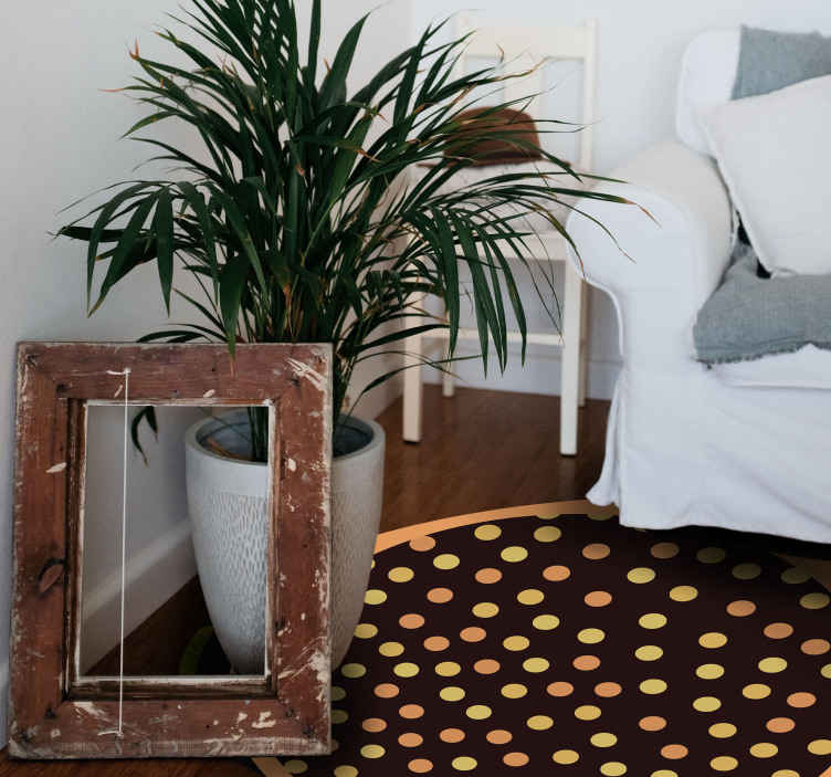 TenVinilo. Alfombra vinilo geométrica topos amarillos. Nuestras alfombras vinilo geométricas son ideales para decorar. Este diseño negro y amarillo con puntos será perfecto para tu hogar ¡Envío gratis!