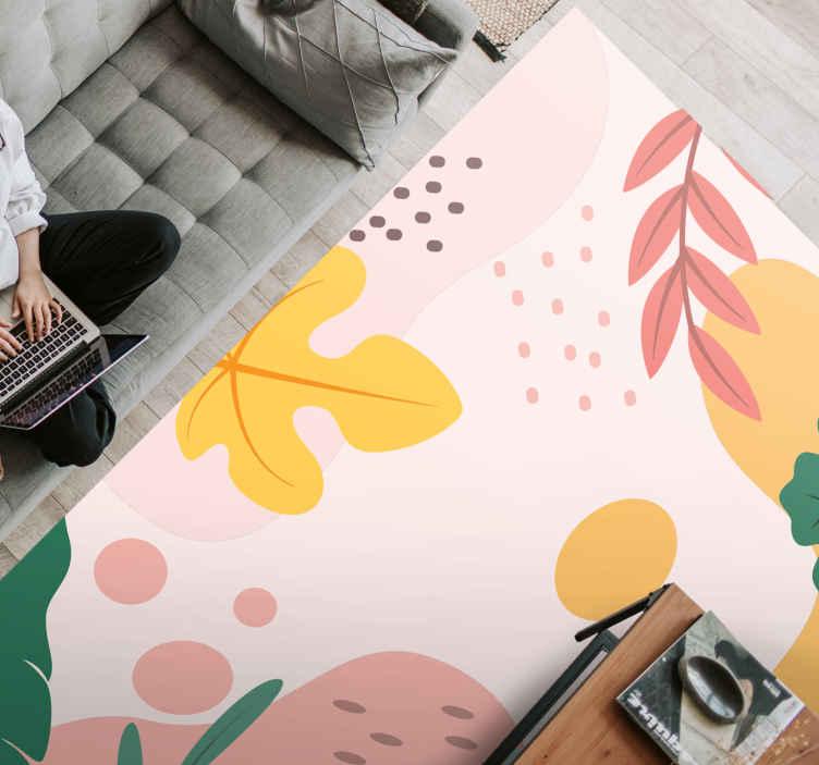 TenVinilo. Alfombra vinilo floral tropical fondo rosa. Alfombra vinilo floral con la ilustración de las hojas con colores otoñales llenará de calidez y exclusividad tu salón, dormitorio u otra estancia