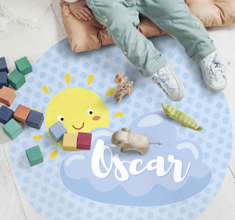 TenVinilo. Alfombra vinilo con nombre sol y nube azul. Alfombra vinilo con nombre con sol y nubes con nombre perfecta para marcar el estilo de tu hijo. Producto ideal para tu hijo ¡Envío gratis!