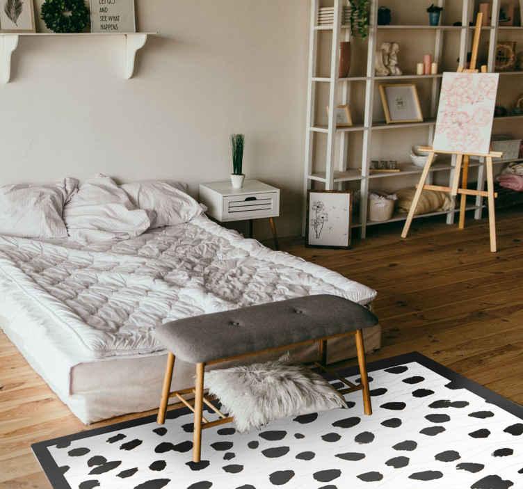 TenStickers. 达尔马提亚印花动物印花地毯. 豪华的卧室乙烯基地板地毯可以完成您的家居装饰。没有高质量的地毯,地板上的空间装饰是不完整的。