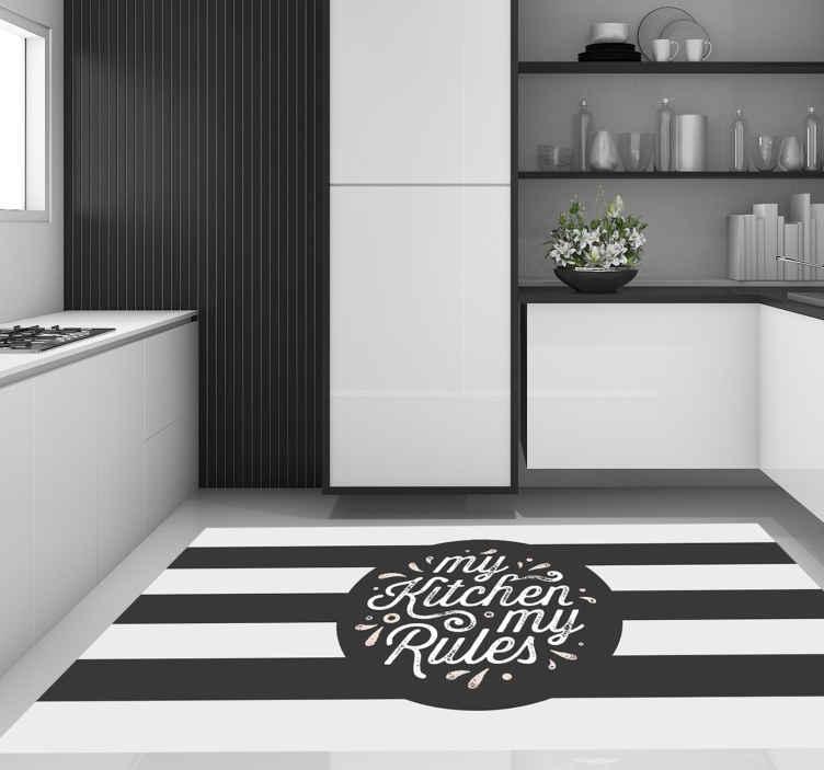 """TenVinilo. Alfombra vinilo frase mi cocina mis reglas. Alfombra vinilo frase de cocina retro en blanco y negro con el texto """"mi cocina mis reglas"""" en el medio ¡Elija las medidas!"""