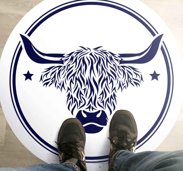 TenVinilo. Alfombra vinilo animales vaca escocesa. Trae la naturaleza dentro de tu hogar con esta alfombra vinilo animales de vaca escocesa fantásticamente diseñad ¡Envío exprés!
