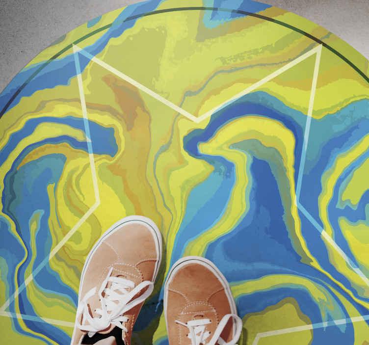 TenVinilo. Alfombra vinilo moderna estrella artística. ¿Quieres poner más colores en tu habitación? Entonces esta alfombra vinilo modera con estrella sobre fondo artístico ¡Envío exprés!