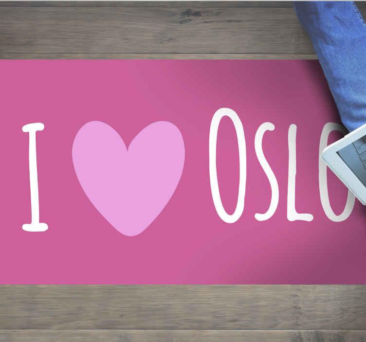 """TenVinilo. Alfombra vinilo frase amo Oslo rosa. Amas oslo ¡Entonces tienes ahora la oportunidad de mostrárselo a todos los que entren en tu casa! Alfombra vinilo frase """"amo Oslo"""" de color rosa."""
