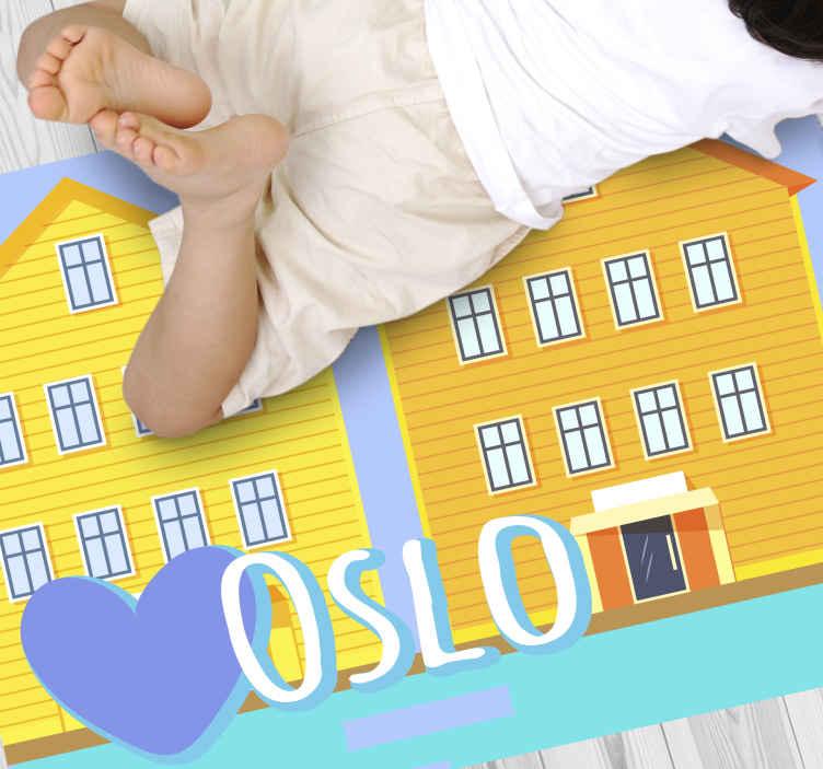 TenVinilo. Alfombra vinilo nórdica Oslo río y casas. ¿Quieres darle un poco de color a tu habitación? ¡Entonces esta alfombra vinilo nórdica de casas de Oslo con el río es tuya! ¡Envío exprés!