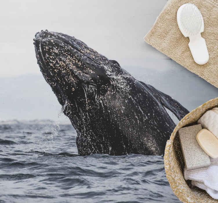 TenStickers. Tapete vinil para gabinete Baleia animal no mar. Um produto decorativo para tapetes de vinil de animais que realmente dará mais luz à sua casa! Peça este produto incrível agora!