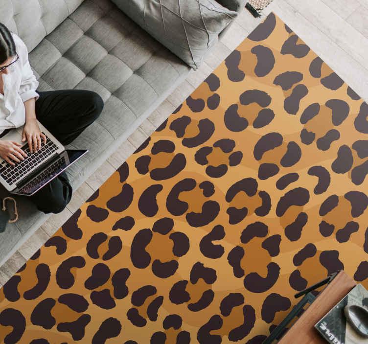 TenVinilo. Alfombra vinilo animal print de jaguar. ¿Te encanta poner un poco de color en tu casa? ¿Por qué no probarías esta increíble alfombra vinilo animal print de piel de jaguar!