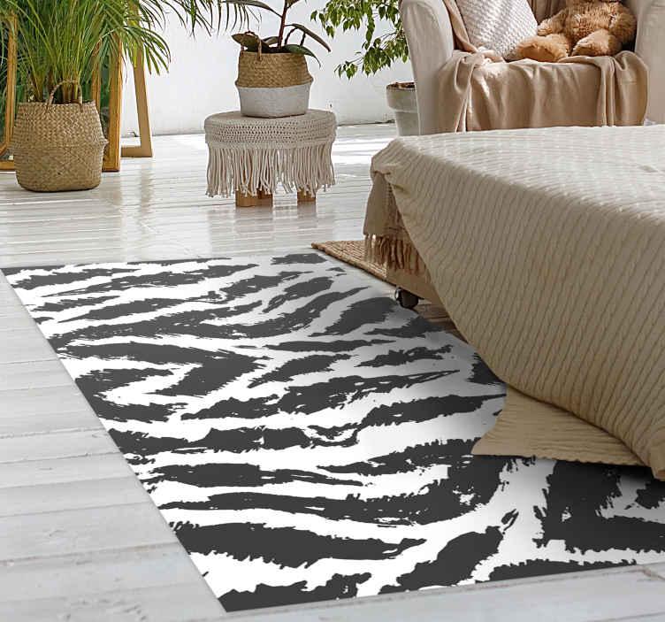 TenVinilo. Alfombra vinílica animal print piel tigre blanca. ¿Quieres decorar tu casa con algo que te guste absolutamente? ¡Entonces esta es la alfombra vinílica animal print de tigres ideal! ¡Envío exprés!