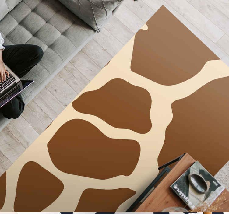 TenStickers. Tapete de pele de vaca marrom com estampa animal. Traga um pouco de cor para sua casa com este incrível tapete em vinil retangular de 'pele de vaca marrom'. Não espere mais e faça o pedido hoje!