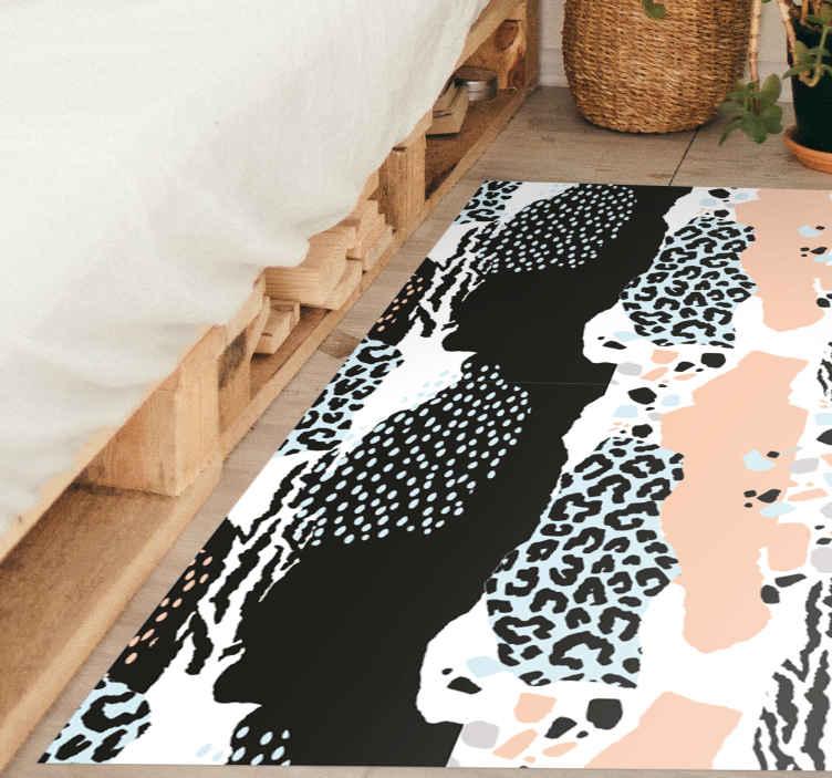 TenVinilo. Alfombra vinilo moderna de leopardo. ¿Quieres tener una decoración elegante en tu casa? ¡Entonces esta alfombra vinilo animal print de patrón leopardo moderno es tuya!