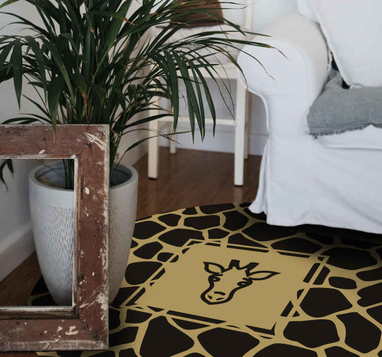 TenVinilo. Alfombra vinilo animal print patrón jirafa. Esta alfombra vinilo animal print de jirafa será perfecta para tu sala de estar. Dale un toque salvaje a tu decoración ¡Envío exprés!