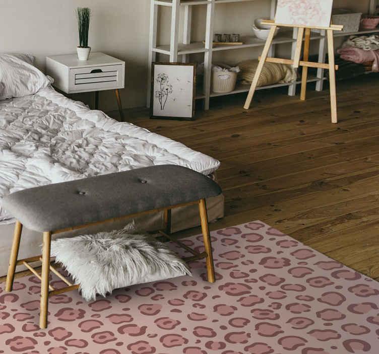 TenVinilo. Alfombra de vinilo animal print Jirafa moderna. Diseños especiales de dormitorio con un animal print de una moderna jirafa. ¡Compra en línea! Entrega a domicilio! +10. 000 clientes satisfechos.