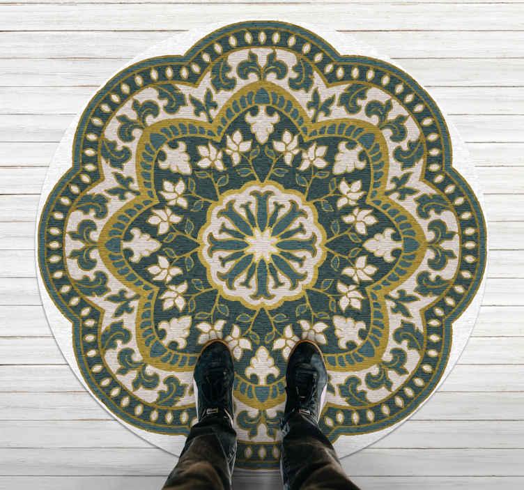 TenVinilo. Alfombra vinilo mandala étnico floral. ¡Esta alfombra vinilo mandala tiene forma de flor en colores blanco, verde y amarillo creando un patrón hermoso y original! ¡Elige tus medidas!