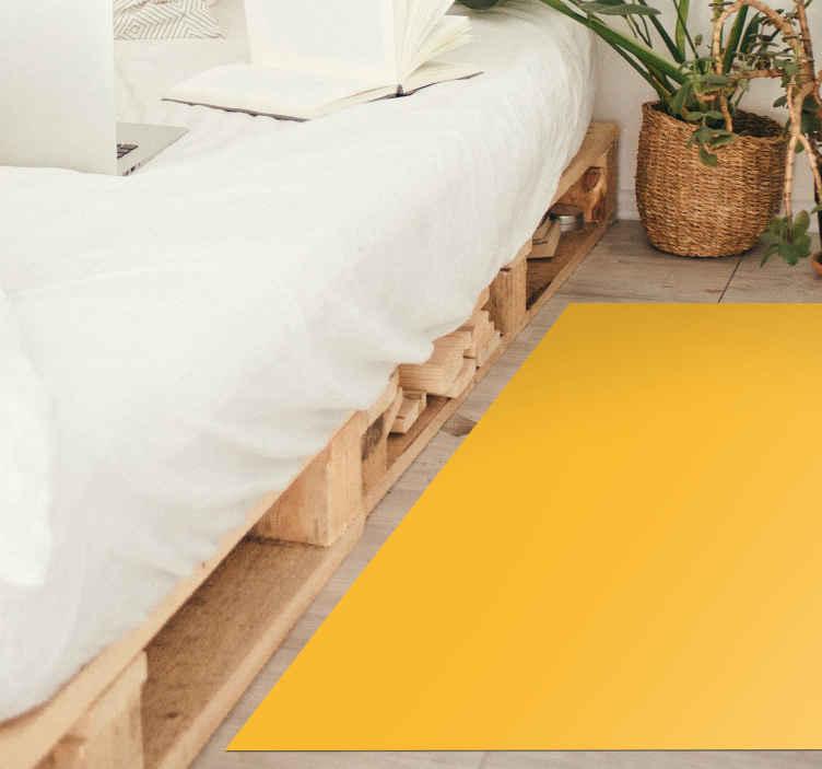 TenVinilo. Alfombra vinilo rectangular amarilla. Como un sofá o una mesa de comedor, la alfombra vinilo amarilla es ahora un objeto de decoración para tu casa ¡Elige las medidas!