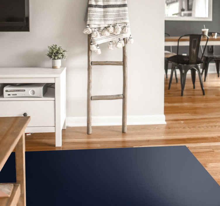 TenStickers. 海军当代地毯. 这款海军色现代乙烯基地毯除具有绝对的舒适性外,还实用且坚固。在这里找到家用乙烯基地毯的集合。