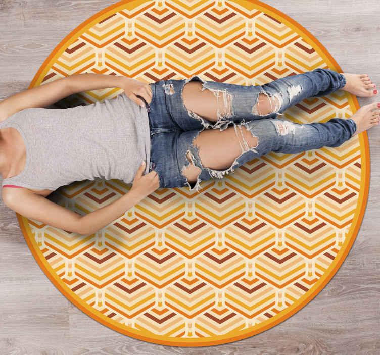 TenVinilo. Alfombra de vinilo vintage Arcoiris pop de los 70. Aporta originalidad a tu hogar y pide ya tu alfombra vinílica vintage antideslizante! Compra ahora online! Entrega a domicilio! Material duradero.