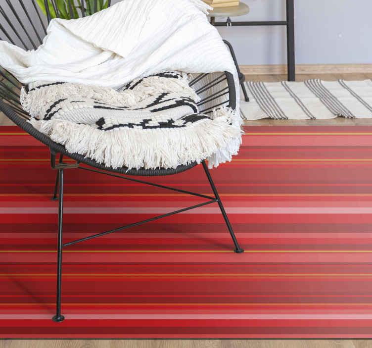 TenVinilo. Alfombra de vinilo nórdica Rayas rojas estilo nórdico. Alfombra de vinilo nórdica grande, de calidad, con rayas rojas y efectos de luz muy sutiles, ideal para alegrar un ambiente moderno. ¡Cómprala ya!