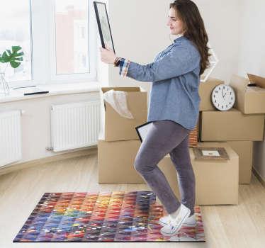 Er is niets beters dan dit geometrische vinyl tapijt dat veel mooie driehoeken in een regelmatige vorm op de kleurrijke achtergrond vertoont.