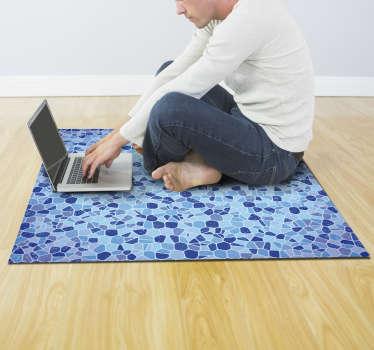 Vinyl Mosaik Blautöne Teppich Design in einer fünfeckigen Form in mehreren blauen, grauen und tiefblauen Farben. Dieses Design ist von hoher Qualität.