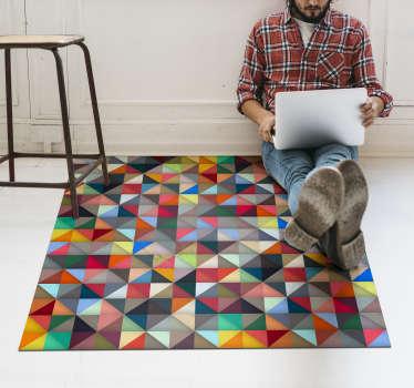Et flerfarvet trekantet originalt vinyl-mosaik-tæppe af høj kvalitet med behagelig følelse og let at vedligeholde. Dette produkt er let at rengøre.