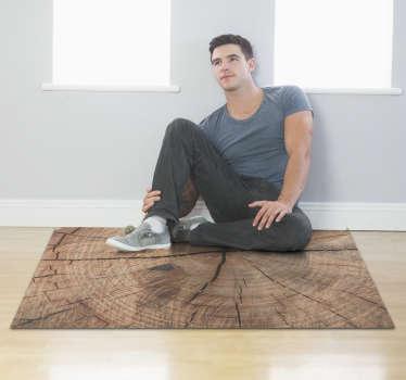 Fantástica alfombra de vinilo textura madera antigua con la que podrás decorar tu casa con un estilo vintage. Producto lavable y resistente