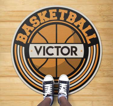 Dieser personalisierbare basketball-vinylteppich mit namen ist genau das, was sie brauchen, um ihren kindern ein tolles geschenk zu machen, ohne zu viel auszugeben!