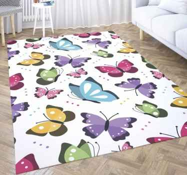 Una alfombra vinilo rectangular para decorar su espacio con una colorida atracción. Diseño blanco con mariposas coloridas ¡Envío a domicilio!