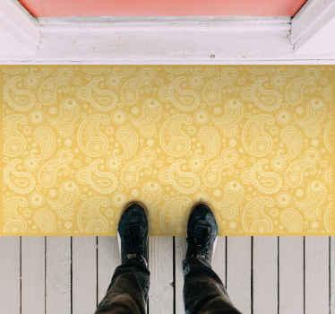På udkig efter et originalt vinyltæppe for at forbedre dit hjem? Her har vi for dig et strålende gult, rektangulært tæppe med dekorative design.