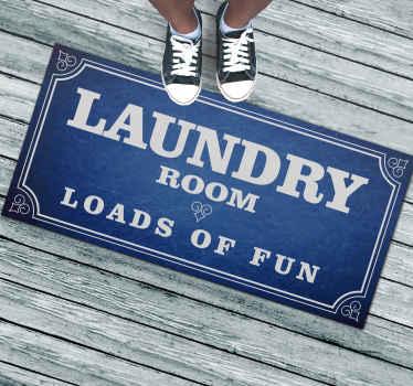 Spaß wäsche benutzerdefinierte teppich für zu Hause. Blauer jeansstoff für den Hintergrund, weißer text. Bestellen Sie jetzt!