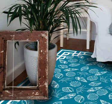 Donnez à votre maison le glamour qu'elle mérite en la décorant avec ce tapis en sticker à fond bleu avec divers coquillages blancs. Il est très facile à nettoyer.