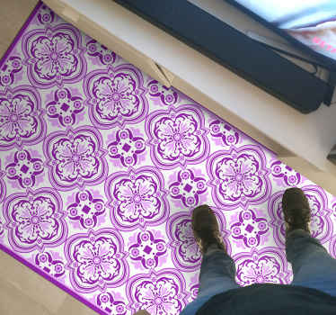 Pink and violet vinyl rug, perfect for your living room and a great match for your house. easy to clean, washable, resistant.