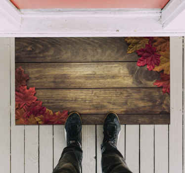 Ez a bejárati vinilszőnyeg fa paneleket tartalmaz, amelyeket a sarkokban őszi levelek borítanak. Kiváló minőségű vinil anyag.