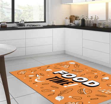 """Esta alfombra vinílica cocina tiene el texto """"¡hora de comer! """" rodeado de sabrosos bocadillos y hamburguesas ¡Descuentos disponibles!"""
