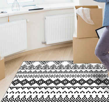 黒と白のエスニックパターンのビニールラグ。キッチンやベッドルームに最適な装飾。お手入れと保管が簡単です。高品質のビニール。