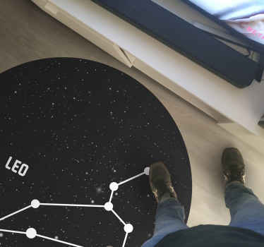 Magnifique et élégant tapis en sticker signe du zodiaque leo parfait à mettre dans un salon de votre maison. Si vous cherchez une jolie décoration pour votre maison.