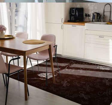 Kava smeđa pozadina vinil tepih za vas kuhinjski prostor. Ispisan je s višestrukim tekstom kave i izvučenom rukom koja drži metak kave.