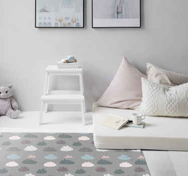 Pilkas vinilo kilimas su debesų raštu, puikus kaip jūsų miegamojo puošmena. Lengva valyti ir laikyti. Pagamintas iš aukštos kokybės vinilo.