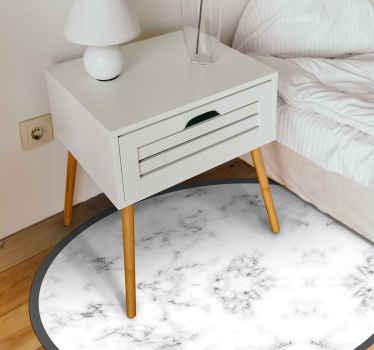 En moderne og minimalistisk marmorvinylmåtte, der giver dit hjem det elegante look, du har ønsket dig. Vælg den perfekte størrelse til dig.