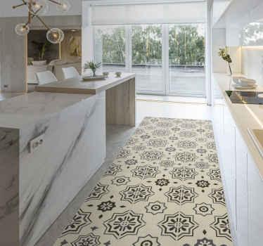 乙烯基地毯与复古装饰品。该图案在米色的背景上显示花卉装饰品。它由高质量的乙烯基制成。