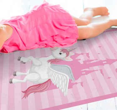 Una hermosa alfombra vinilo infantil con un estampado rosa y el dibujo de un unicornio en un castillo para el cuarto de tu hija