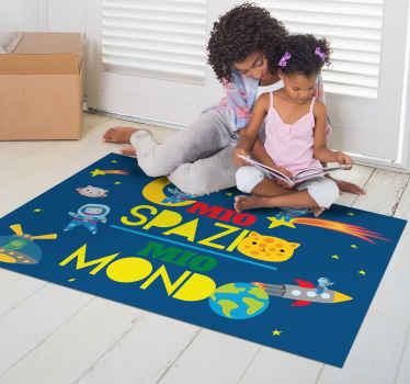 Tappeto rettangolare con l'illustrazione dello spazio con gatti astronauti e un testo ideale per riempire la stanza del tuo bambino di illusione.