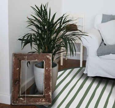 Alfombra vinilo nórdica que presenta un estampado de rayas verde oscuro sobre un fondo blanco. Elige tu talla ¡Materiales de alta calidad!