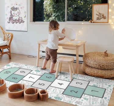 Nuestra alfombra vinilo infantil permitirá que tus hijos jueguen un juego divertido y, al mismo tiempo, es un hermoso elemento decorativo.